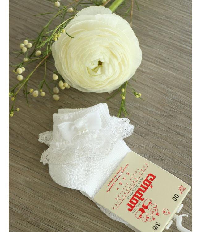 CONDOR  CONDOR | Witte enkelsokjes met kant en een pareltje