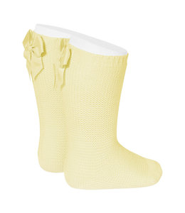 CONDOR  Light knitted knee socks with bow at the back PASTEL YELLOW