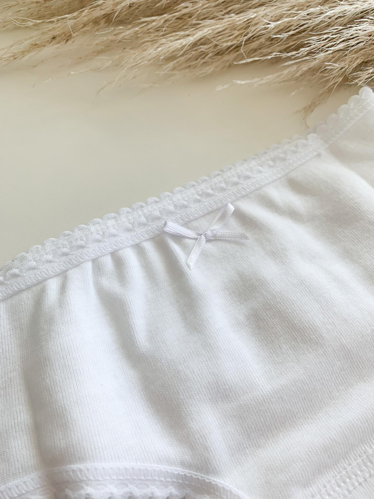 Wit onderbroekje met ruffles-2