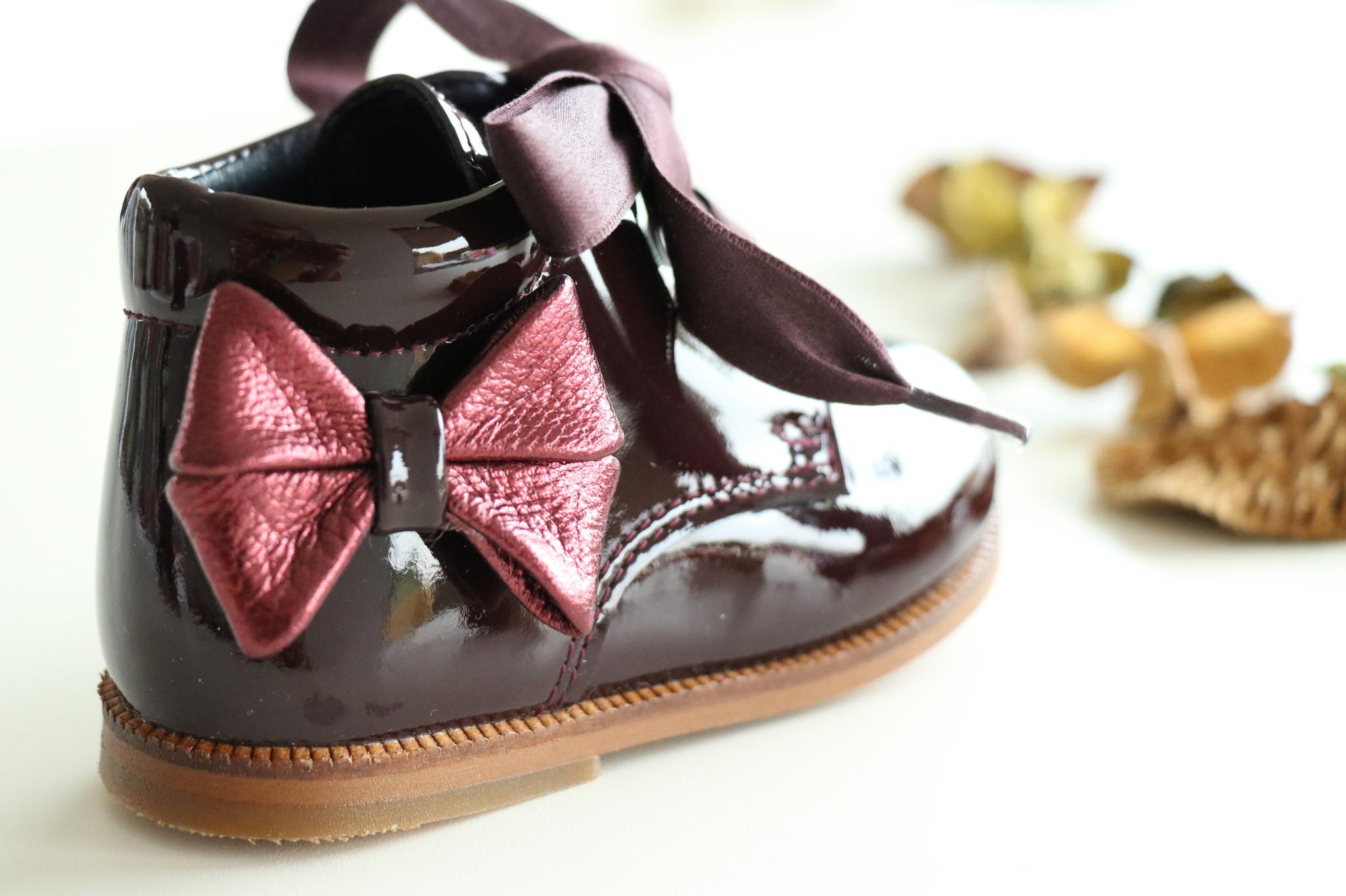 Bordeaux schoen met metallic strikje-3