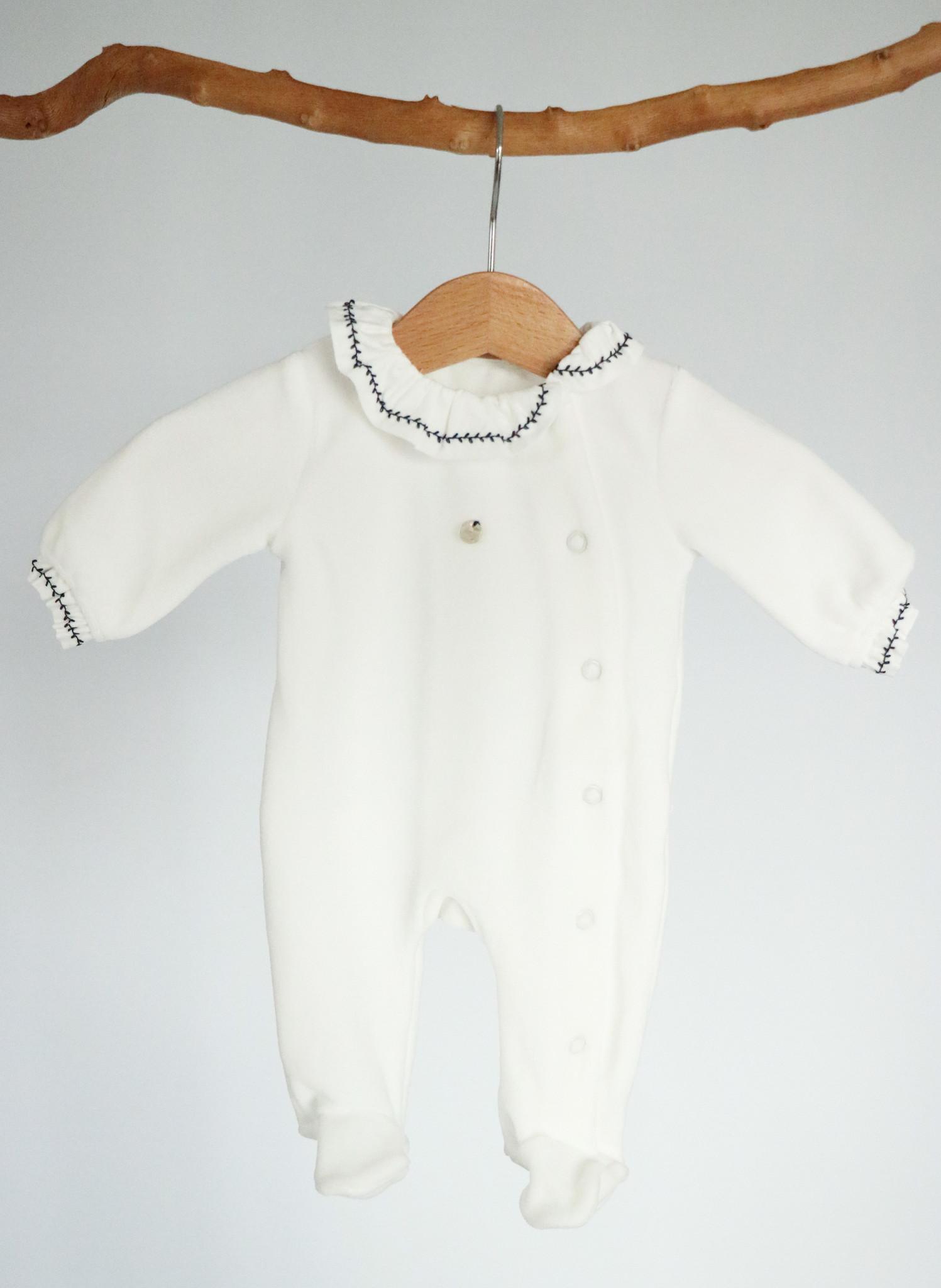 Wit velvet pyjama met blauwe detailafwerking-1