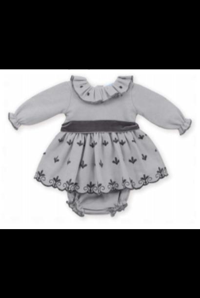 Grijze jurk met donkergrijze details en strik met bijhorende bloomer