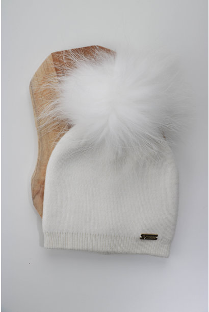 Ivory hat with faux fur pompon