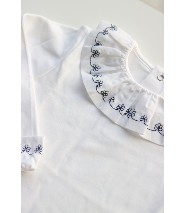 LAIVICAR Beautiful white longsleeve with navy blue flowerdetail