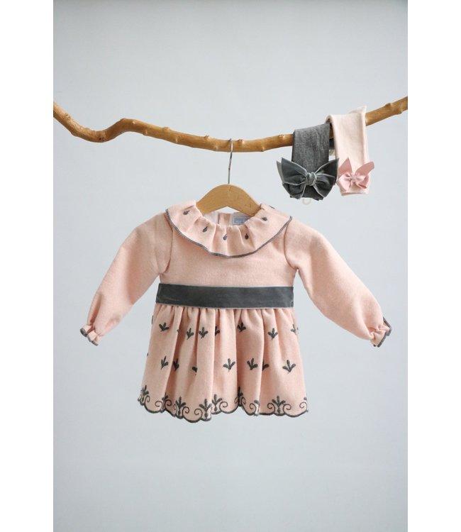 MAC ILUSION MAC ILUSION | Roze jurk met donkergrijze details en strik Met bijhorende bloomer
