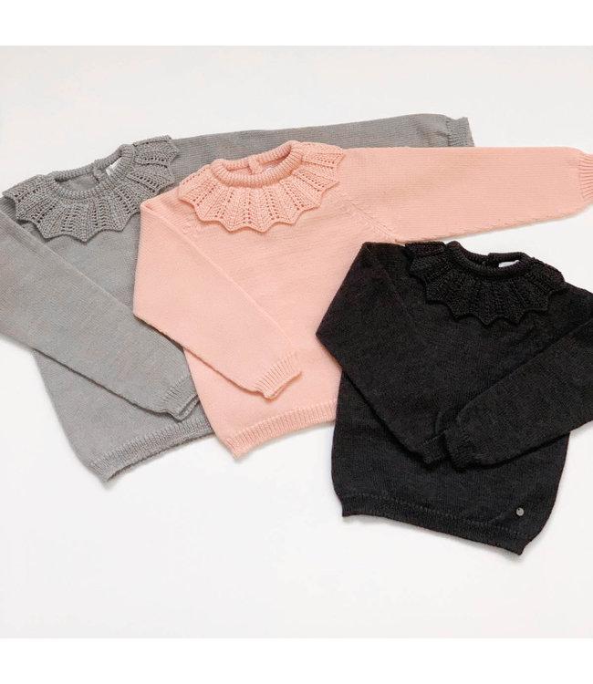 Zacht gebreide sweater met kraagje  DONKERGRIJS