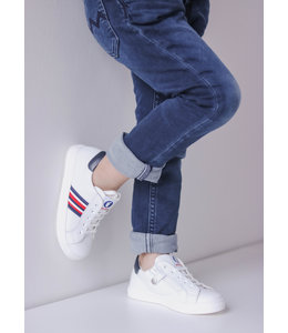 Walkey Witte jongenssneaker met blauw en rood detail