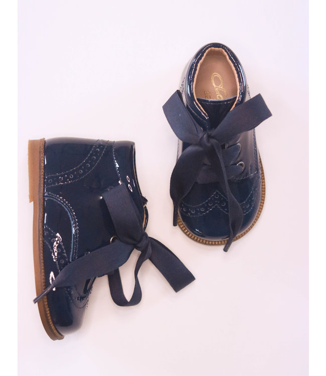 Beautiful navy blue shoe with satin lace