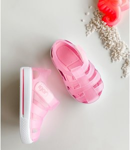 Water sandal in matte pink with white sole