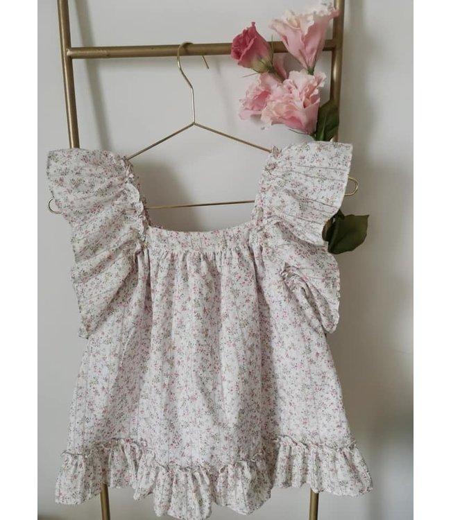 Dress in cute flowerprint