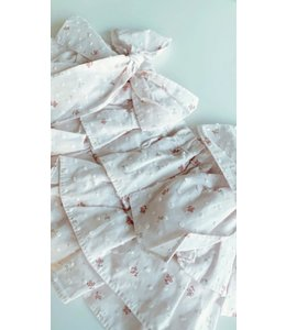 Beautiful light pink plumeti bloomer with fine floral detail