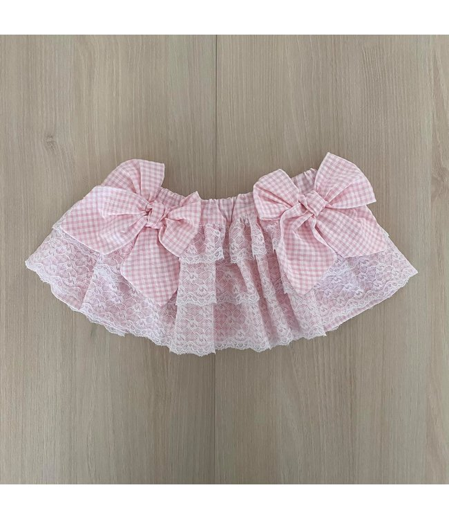 Pink vichy tiered skirt with lace and two bows