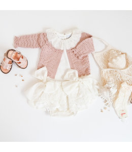 Ivory bloomer with lace