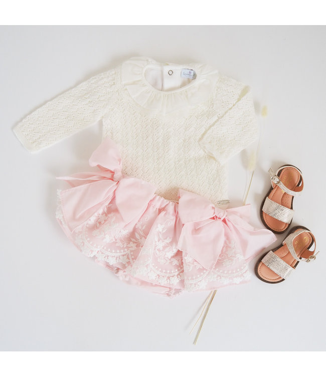 Pink bloomer with lace