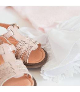 Prachtig roze sandaaltje met slangenprintje als detail