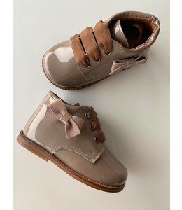 Schoe Auke
