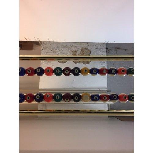 messing plafond  score rek met pool ballen