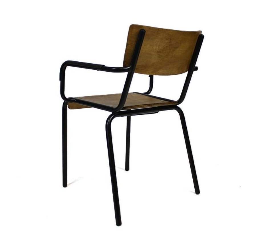 Retro chair met armleuningen