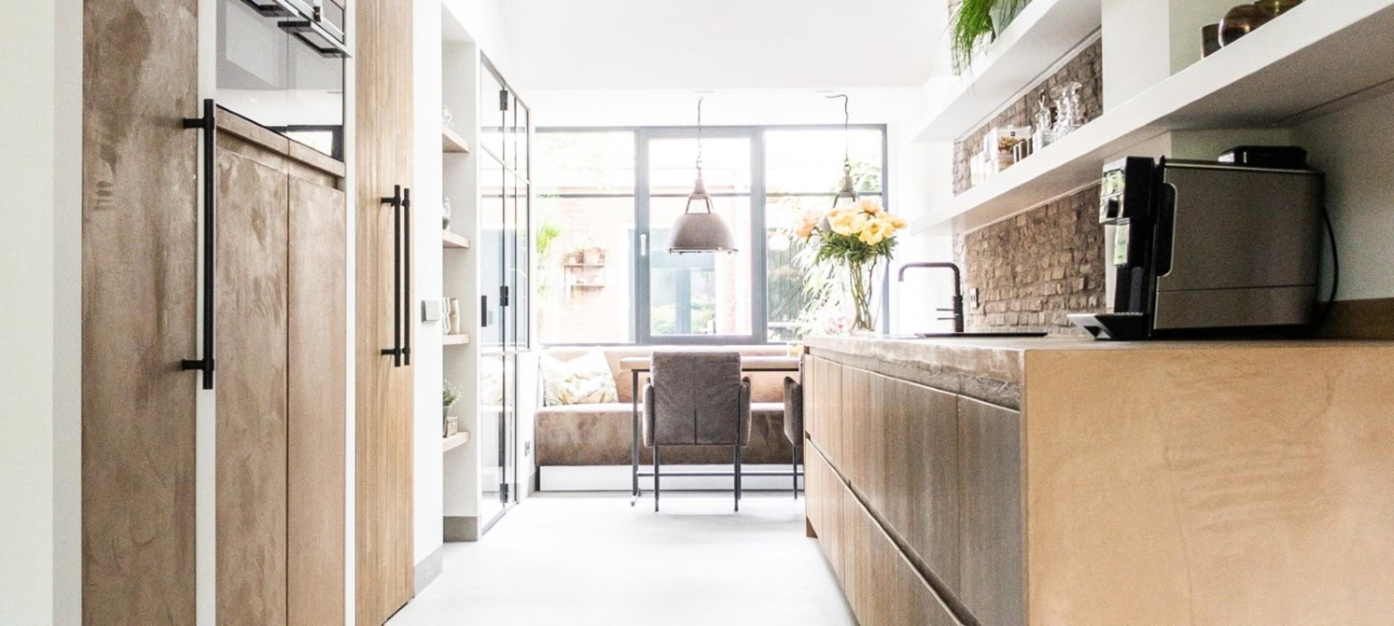 Betonstuc keuken met hout - Amersfoort