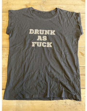 UMustHave Sale shirt | XL | drunk as fuck zwart