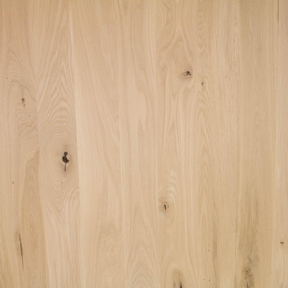 Eiken paneel - 4 cm dik (1-laag) - 122 cm breed - 140 - 300 cm lang in lengtestaffels van 20 cm - rustiek eikenhout kd 8-12% - verlijmd - doorgaande lamellen