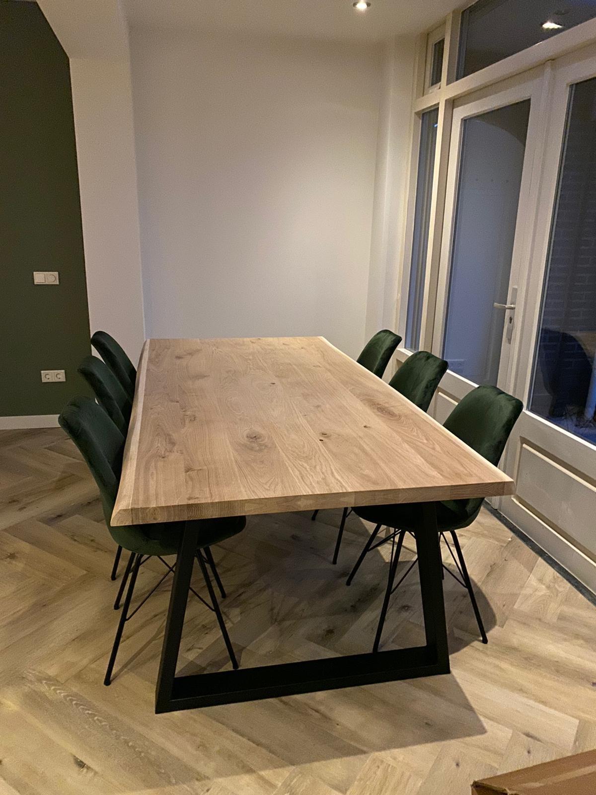 Eiken boomstam(rand) tafelblad - 6 cm dik (2-laags rondom) - diverse afmetingen - extra rustiek Europees eikenhout met schorsrand / waankant - verlijmd kd 10-12%