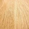 Eiken boomstam tafelblad op maat - 4 cm dik (massief) - met boomstam rand / waankant LOOK -  foutvrij Europees eikenhout - verlijmd kd 8-12% - 50-120x50-350 cm - GEBORSTELD