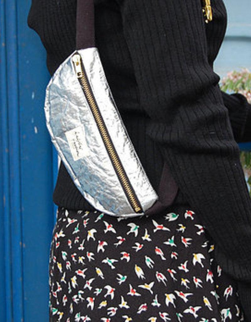 kaliber fashion Berlin Hüfttasche 100% Pinatex© / silber