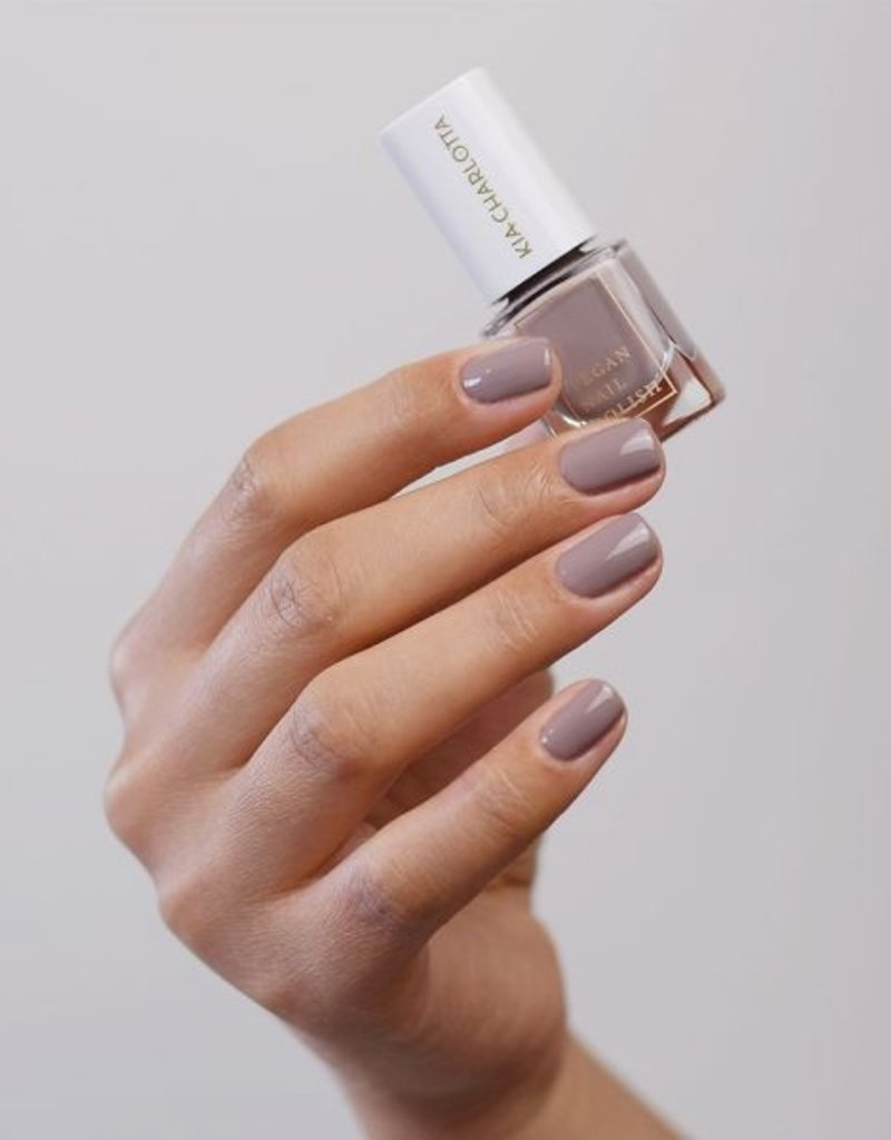 Kia Charlotta Nagellack -Pretty Awesome (Taupe), 5ml