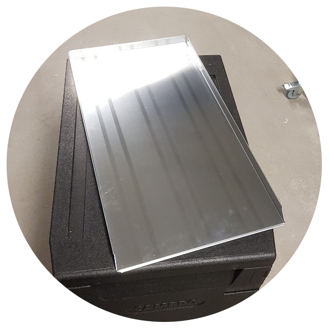 Batch of baking trays, 40 trays (While supplies last)