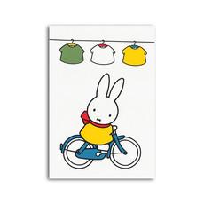 Bekking & Blitz Nijntje ansichtkaart- Nijntje op de fiets Enkele kaart