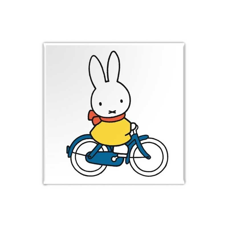 Nijntje Nijntje magneet, Nijntje op de fiets