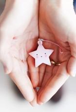 A Little Lovely Company Sleutelhanger Charm Ster roze - A Little Lovely Company
