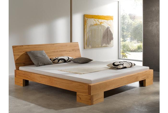 Tiso kernbeuken metaalvrij bed in slaapkamer
