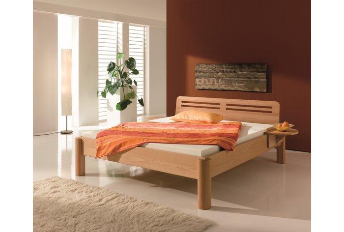 Metaalvrij bed Sopra (hout: beukenhout) in slaapkamer