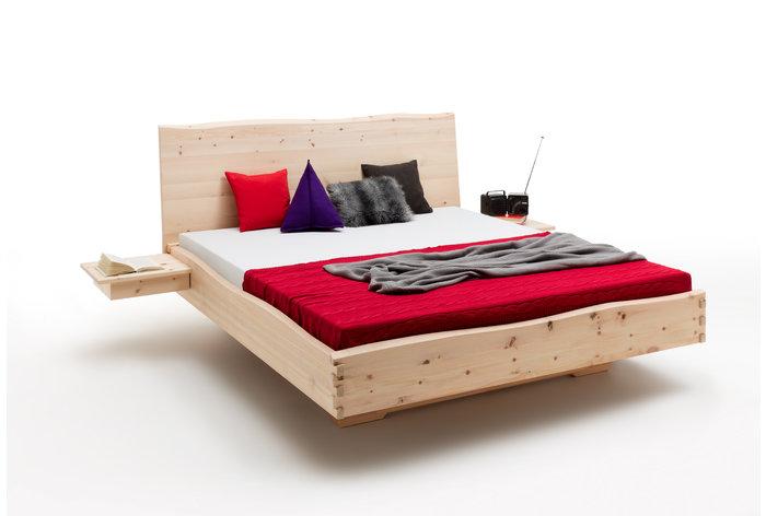Massief houten bed Ulfas (hout: zirben / alpenden / zirbe)