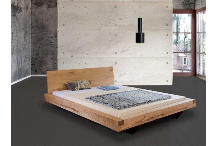 Zwevend balkenbed in massief 11cm eikenhout - hoofdbord type 1