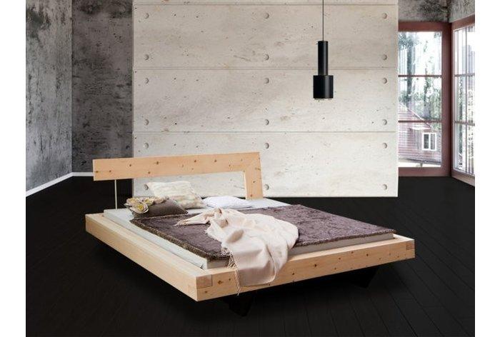Zwevend balkenbed in massief 11cm zirben hout - hoofdbord type 4