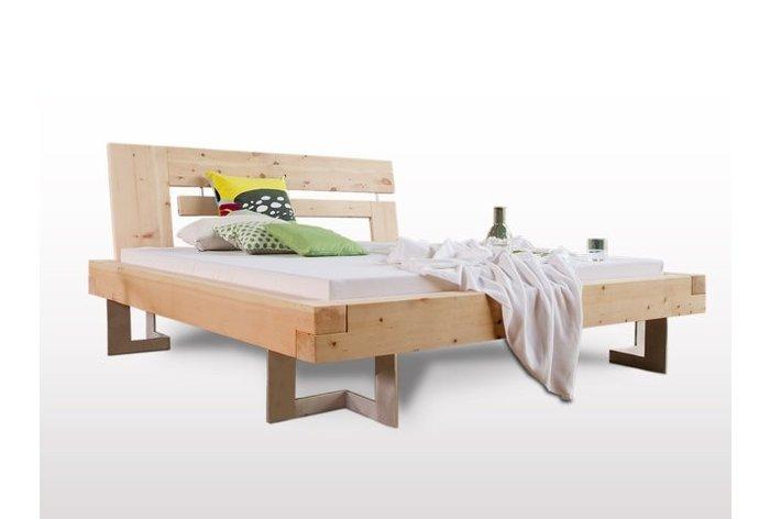Massief houten bed Thaur (hout: zirben / alpenden / zirbe) met aluminium poten