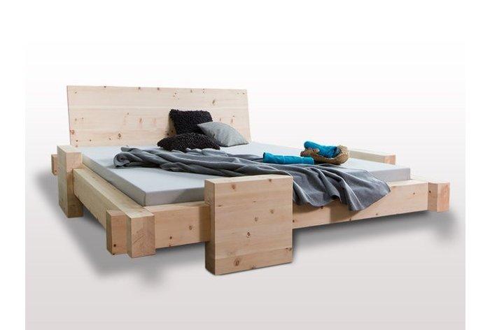 Massief houten bed Mellau (hout: zirben / alpenden / zirbe)