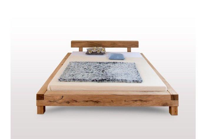 Massief houten bed Herisau II (hout: moeras eiken)