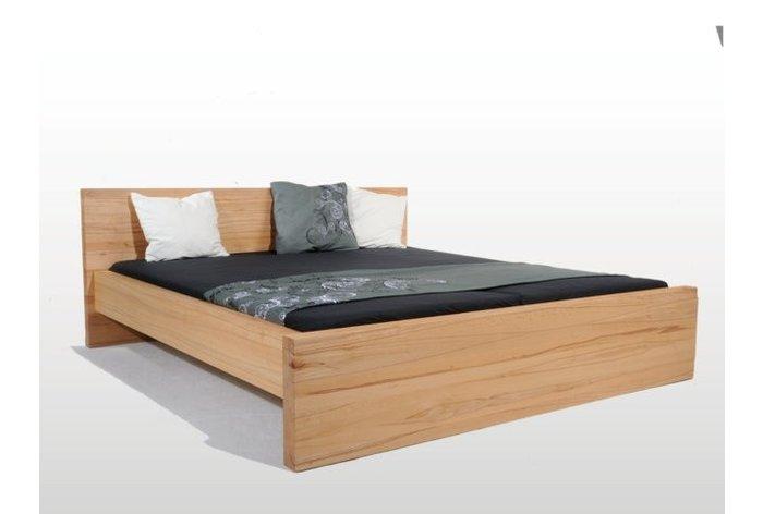 Bed Gossau (hout: kernbeuken) - 4,5 centimeter dik kernbeuken!