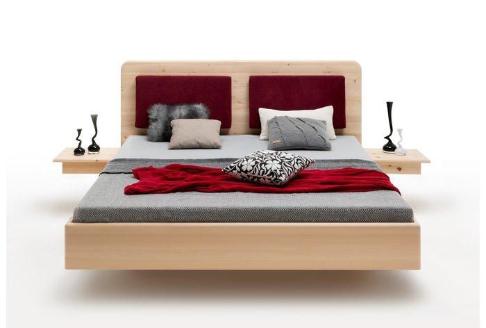 Een prachtige zwevend bed welk uw slaapkamer tot een oase van rust maakt