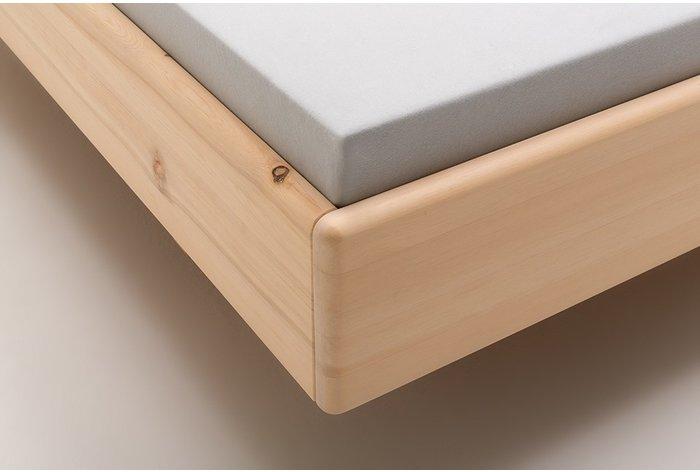 Fijn geslepen en onbehandeld zirben hout met afgeronde hoekverbindingen