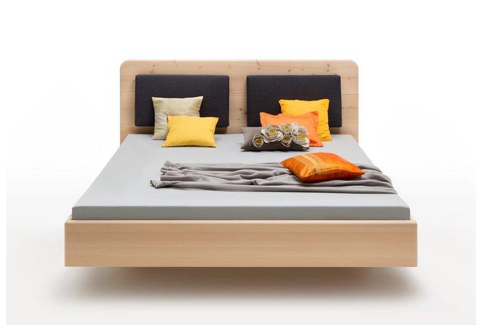 180 x 200 versie in zirben hout, maar ook in eiken en beukenhout verkrijgbaar