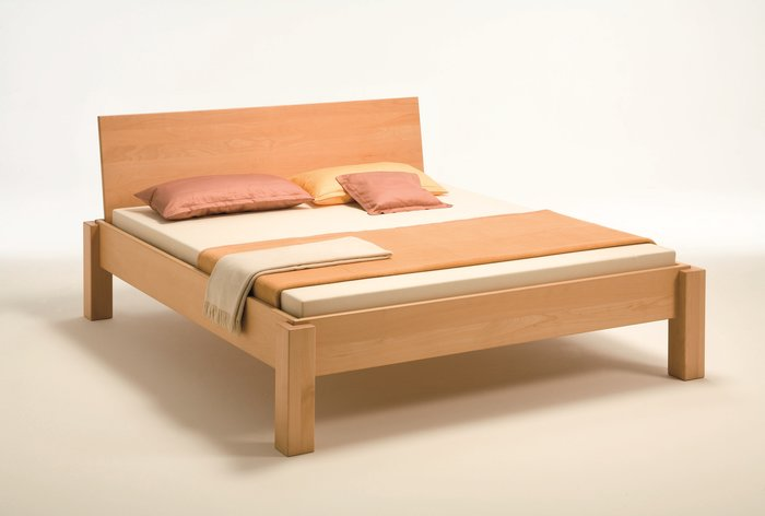 Massief houten bed Lienz (hout: beukenhout)