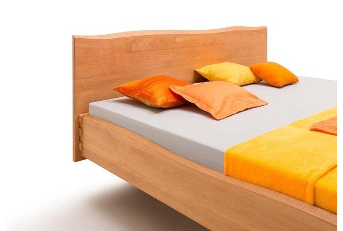 Prachtig hoog hoofdbord - houtwerk komt optimaal tot recht