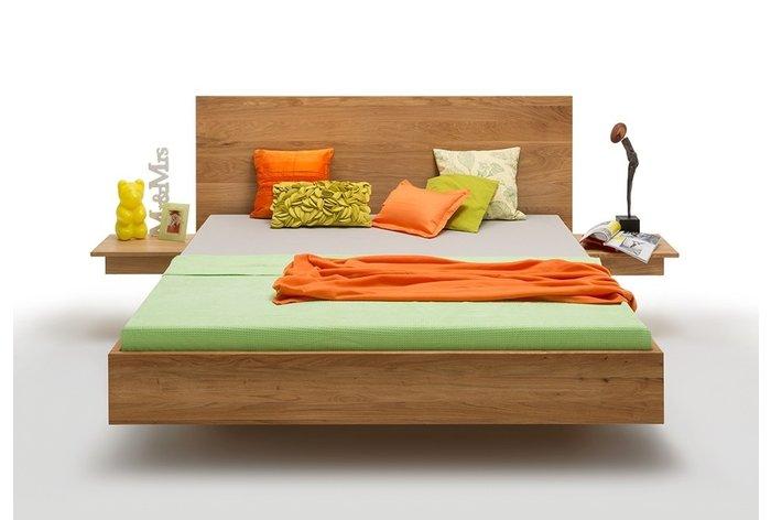 Vooraanzicht bed Almelo met aanhang nachtkastjes (tegen meerprijs verkrijgbaar)
