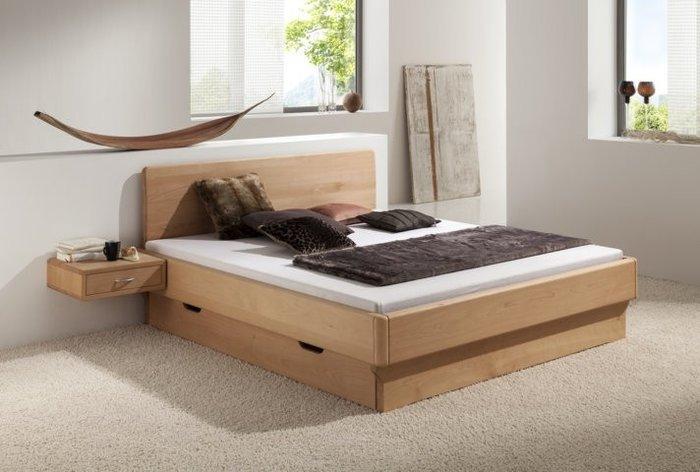 Bed Wassenaar (hout: beukenhout, geolied) in de slaapkamer