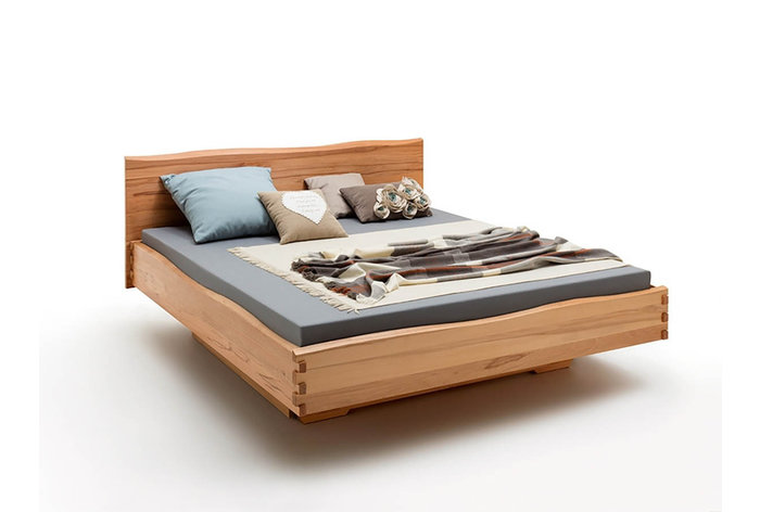 Massief houten bed Amersfoort (hout: kernbeuken)
